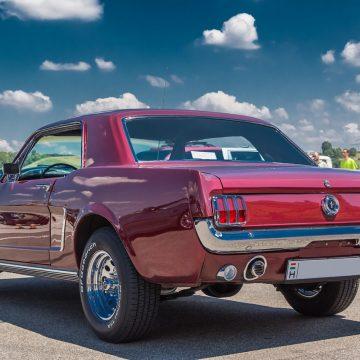 Klasyczne samochody z USA – co trzeba w nich zmienić, żeby móc je zarejestrować?
