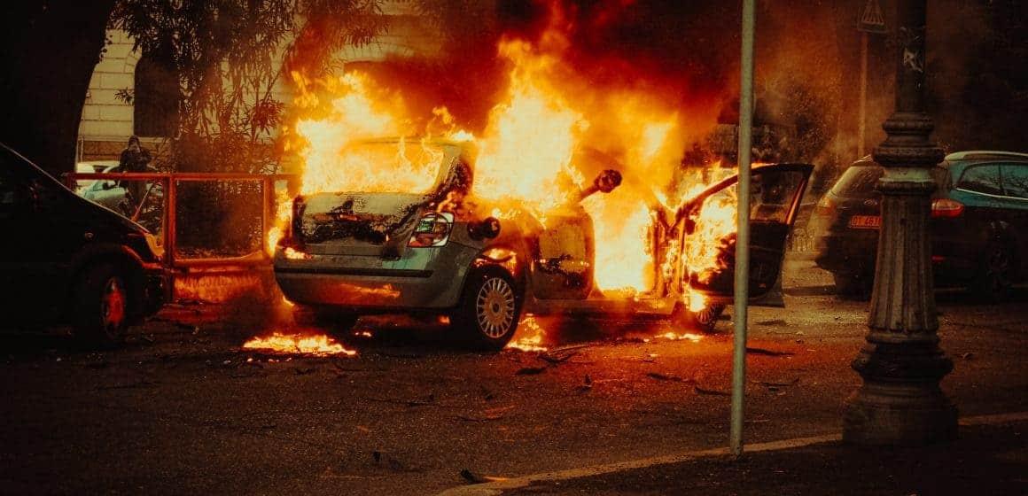 Bielsko-Biała. Pożar pochłonął zabytkowe samochody