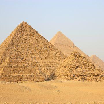 Wbrew pozorom, Poloneza kupisz o wiele łatwiej w… Kairze!