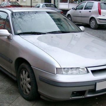Opel Calibra – niegdyś wyśmiewany, dziś ceniony