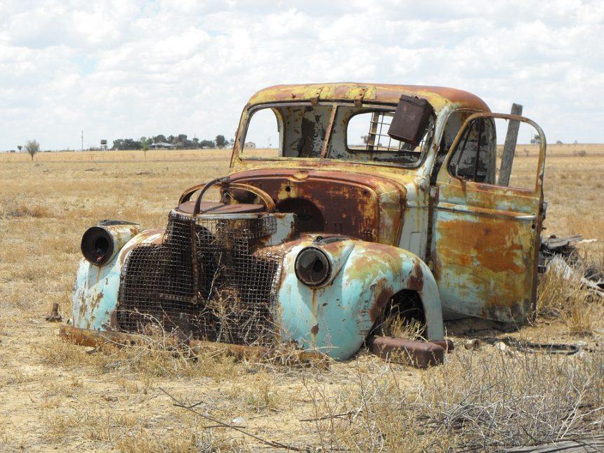 Klasyczny samochód ze zgniłą podłogą – czy taka inwestycja się opłaca?