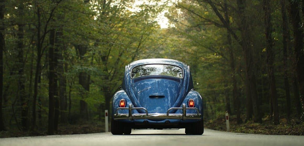 Czym charakteryzowały się auta z lat 70. XX wieku?